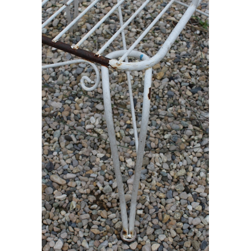 Fauteuil de jardin en fer forgé blanc - Moinat SA - Antiquités ...