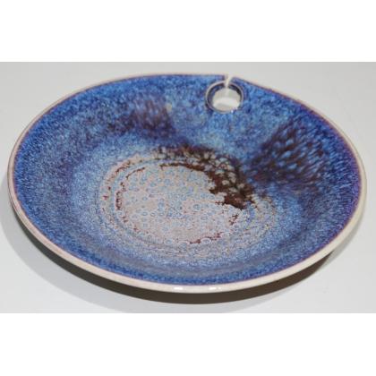 Assiette en céramique bleue par Willy DOUGOUD