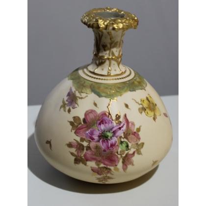 Vase en porcelaine ROYAL CROWN DERBY