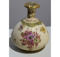Vase en porcelaine ROYAL CROWN DERBY