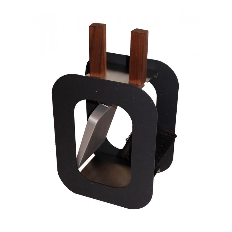 outils de chemin e cube balayette et pelle sur moinat sa antiquit s d coration. Black Bedroom Furniture Sets. Home Design Ideas