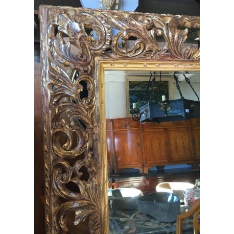 Surréaliste Grand miroir, cadre en bois sculpté doré sur Moinat SA OH-72