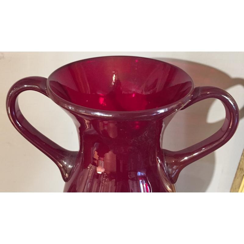 vase en verre souffl rouge anses moinat sa. Black Bedroom Furniture Sets. Home Design Ideas