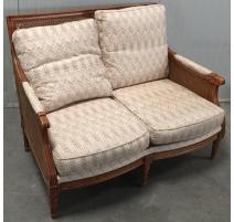 Canapé style Louis XVI canné, coussins à chevrons