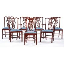Suite de 6 chaises et 2 fauteuils en acajou