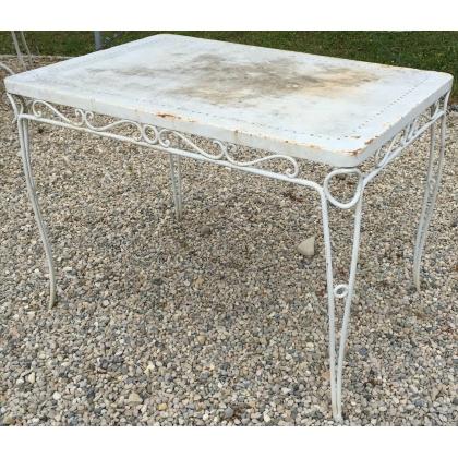 Table en fer forgé rectangulaire, plateau plein