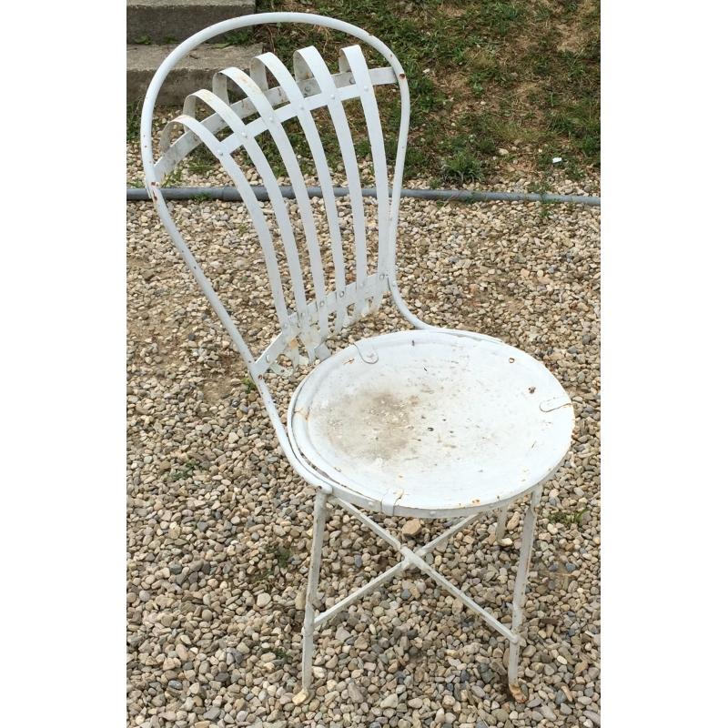chaise de jardin en fer forg blanc sur moinat sa antiquit s d coration. Black Bedroom Furniture Sets. Home Design Ideas