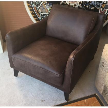 Paire de fauteuils en cuir par ROCHE BOBOIS