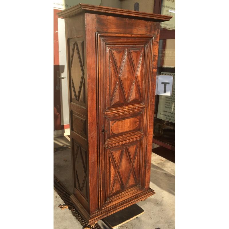 armoire une porte d cor pointe de diamant sur moinat sa. Black Bedroom Furniture Sets. Home Design Ideas