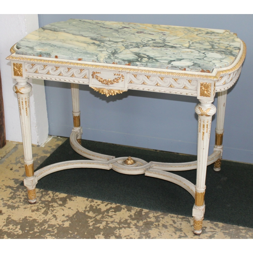 Table rectangulaire style Louis XVI sculptée