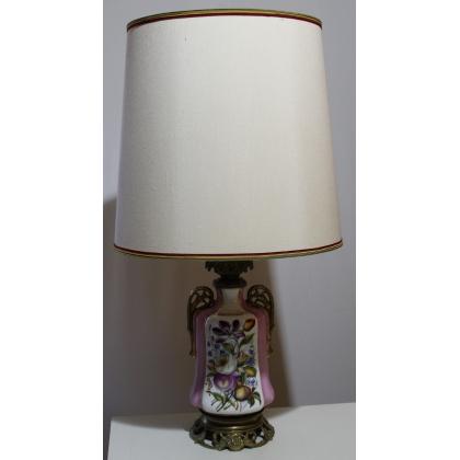 Lampe Louis-Philippe en porcelaine décor fleurs