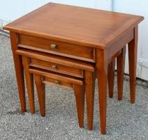 Lot de 3 tables gigognes style Directoire à tiroir