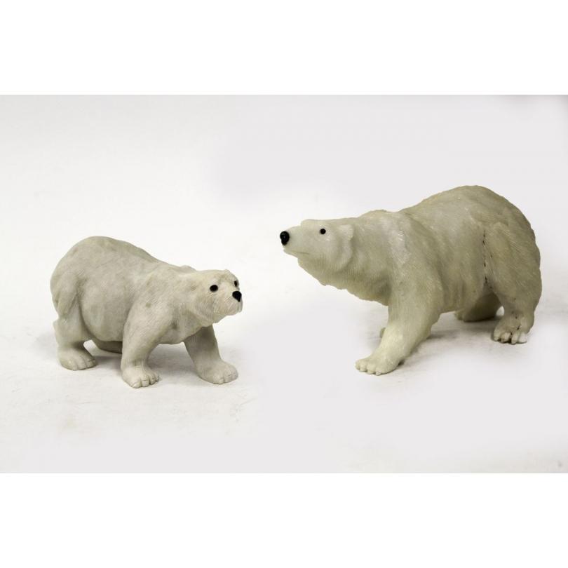 Deux ours blancs en jade blanche sculptée
