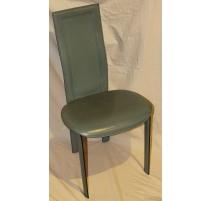 Chaise Lara de CATTELAN en cuir vert
