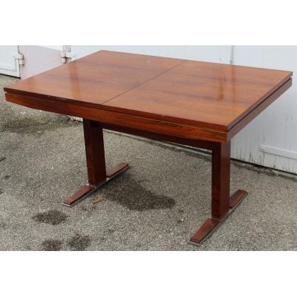Table en palissandre marquée ASCH