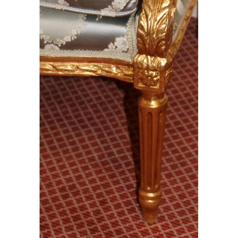 Salon style louis xvi en bois dor sur moinat sa for Salon style louis 16