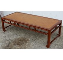 Table basse chinoise avec dessus en rotin