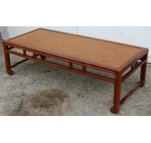 Table basse chinoise avec dessus en rotin
