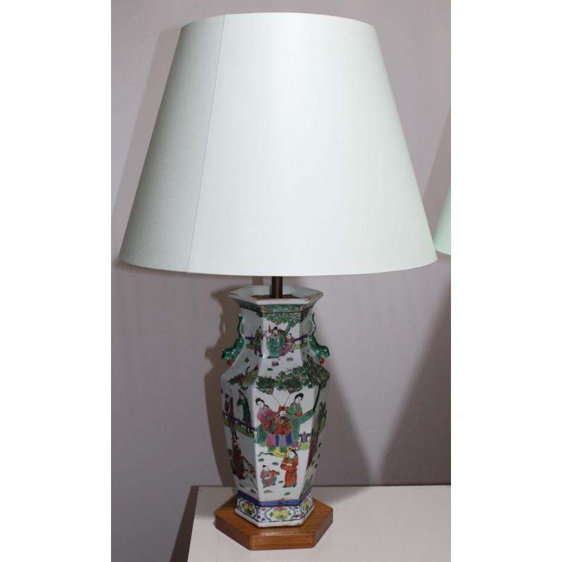 Paire de vases hexagonaux famille verte, lampes
