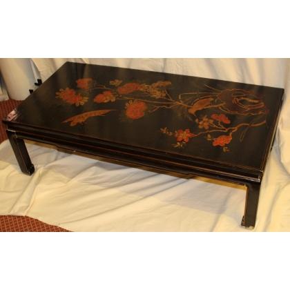 Table basse chinoise en laque noire