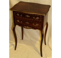 Table de chevet style Louis XV en bois marqueté