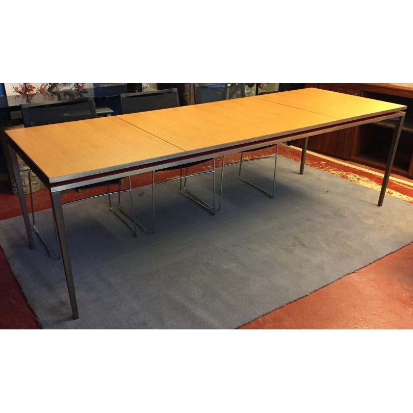 Table en bronze plateau en chêne