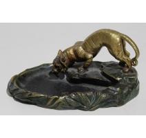 Tigre en bronze signé C. BAILLY