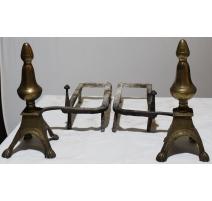 Paire de chenets Louis XIV décor toupie
