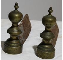 Paire de chenets Louis-Philippe double toupie