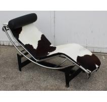 Chaise longue en peau de vache