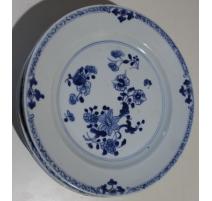 Assiette en porcelaine décor fleurs