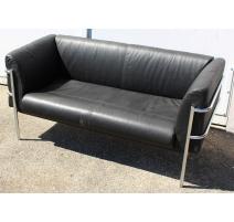 Canapé en métal chromé et cuir noir