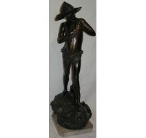 Sculpture  Jeune pêcheur .