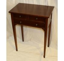Table de chevet style Directoire à 3 tiroirs