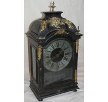 Louis XIV mantel clock, black.