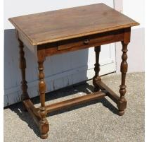 Table Louis XIII en chêne à 1 tiroir