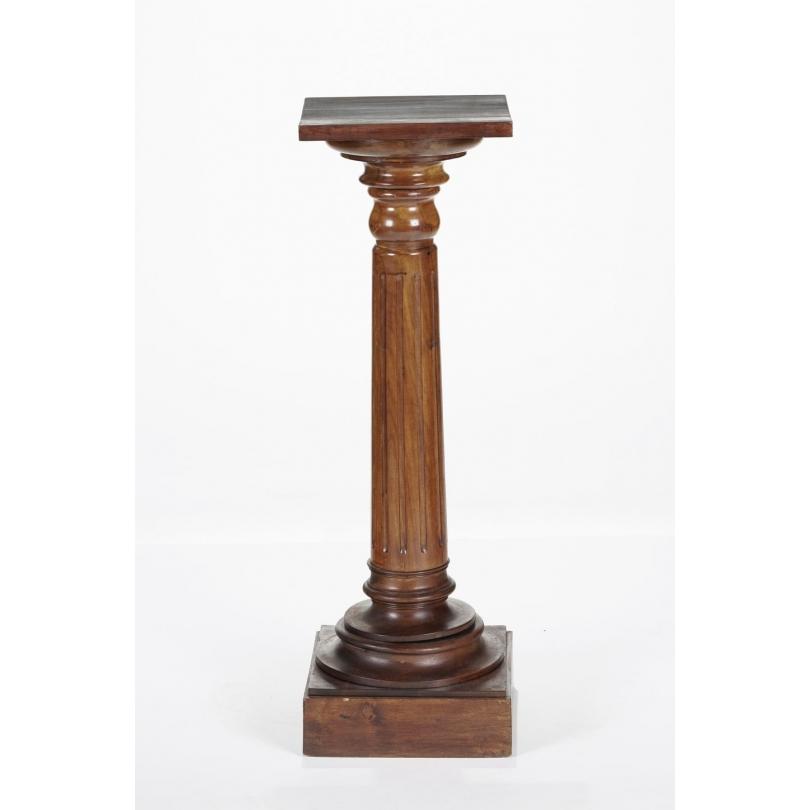 Sellette en forme de colonne