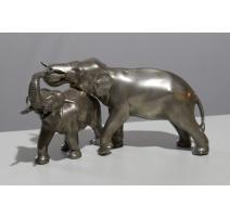 Couple d'éléphants en bronze argenté