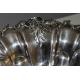 Coupe festonnée en métal argenté avec anse