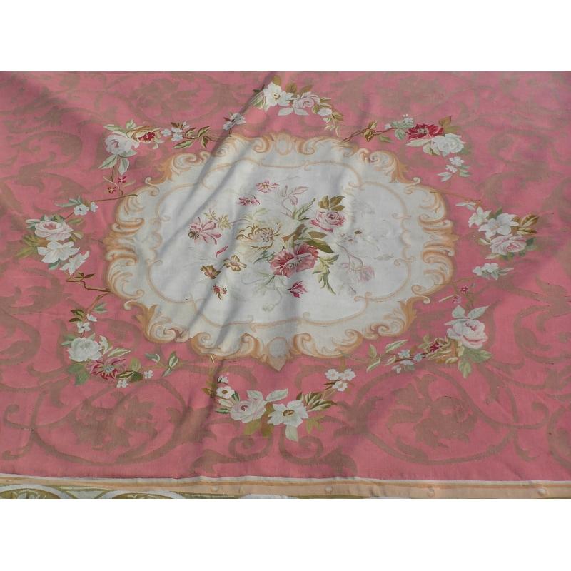 tapis d 39 aubusson louis philippe avec motifs moinat sa antiquit s d coration. Black Bedroom Furniture Sets. Home Design Ideas