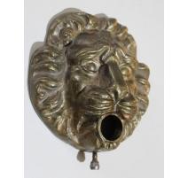 Tête de lion en bronze