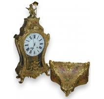 Louis XV mantel clock, Vernis