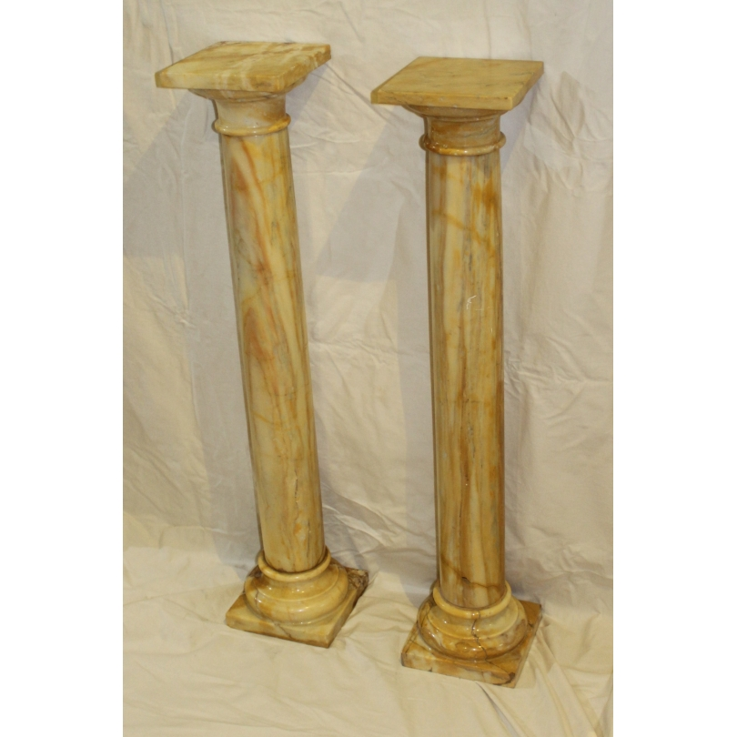 Paire de colonnes en marbre jaune