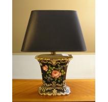Lampe en porcelaine avec abat-jour noir (réparée)