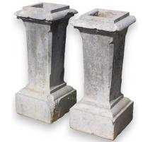 Paire de colonnes.