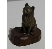 Chat en bronze sur socle en bois