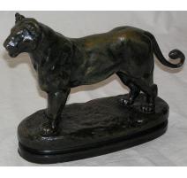 """Bronze """"Lionne d'Algérie"""" signé BARYE"""