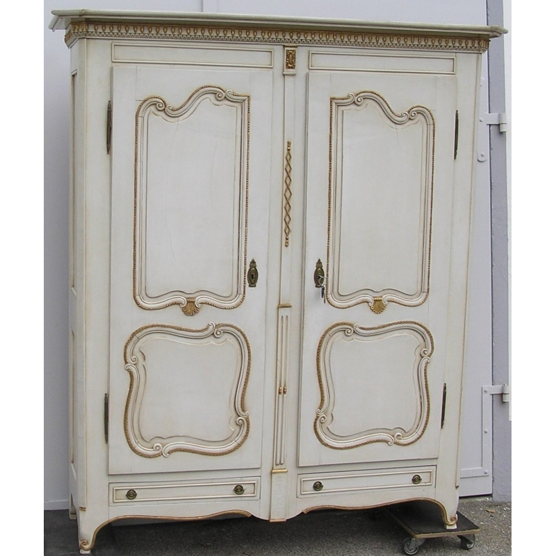 armoire louis xv vaudoise laqu e blanc et or sur moinat sa. Black Bedroom Furniture Sets. Home Design Ideas