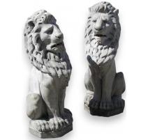 Paire de lions assis, en marbre blanc