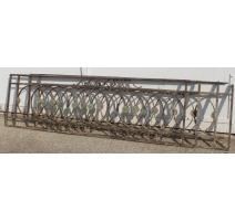 Paire de barrières en fer forgé